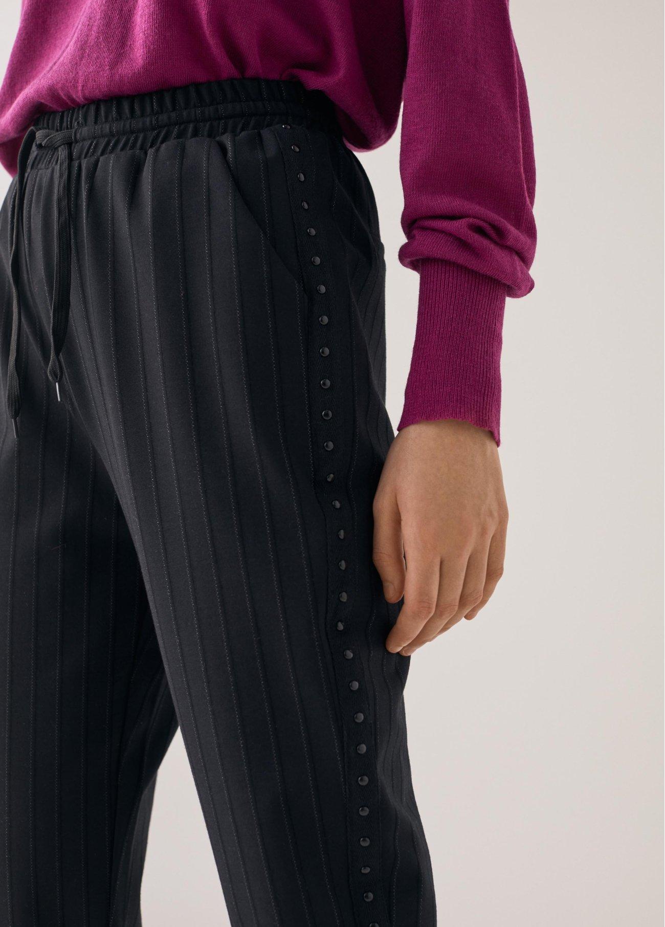 Pantalón con tira lateral, negro 2