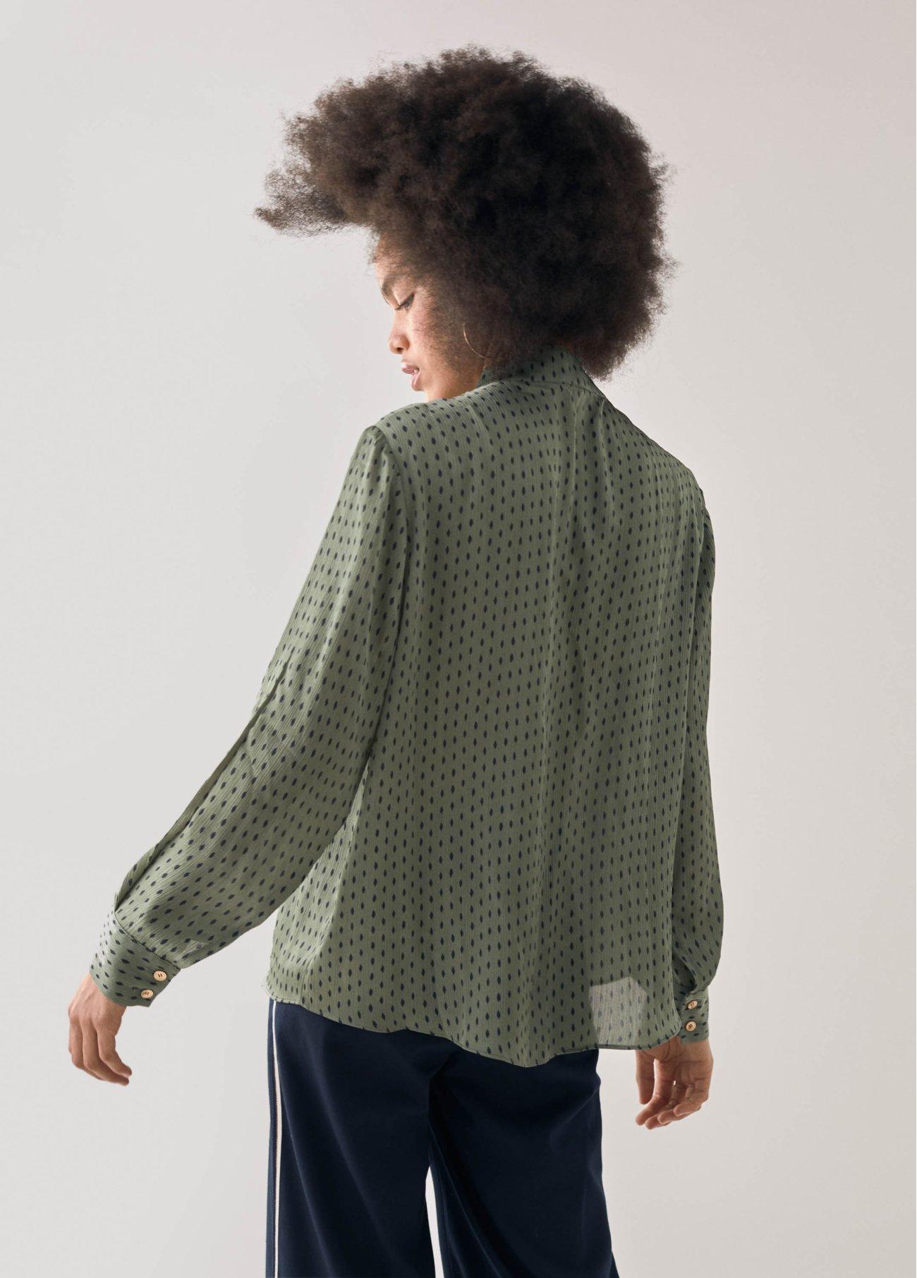 Blusa lunares con lazada,  2