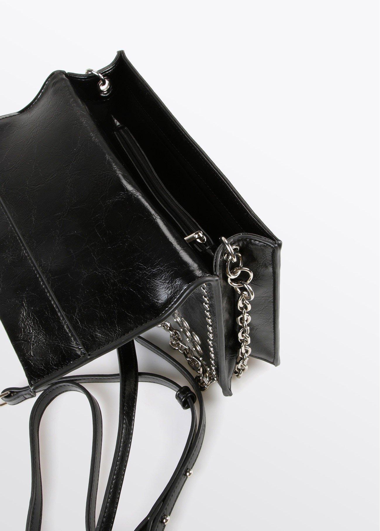Bolso trend detalle cadena, negro