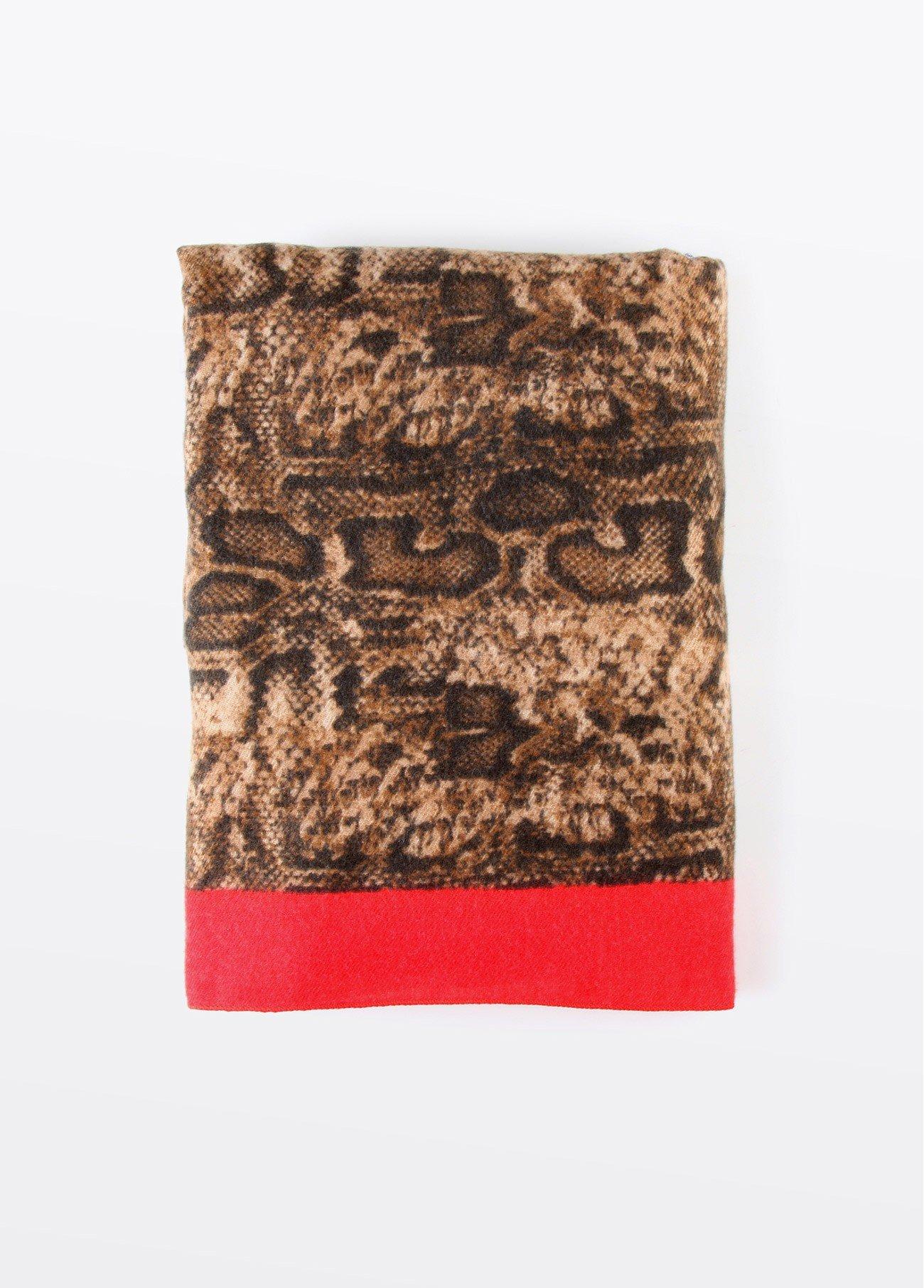 Chal rojo estampado leopardo, rojo 2