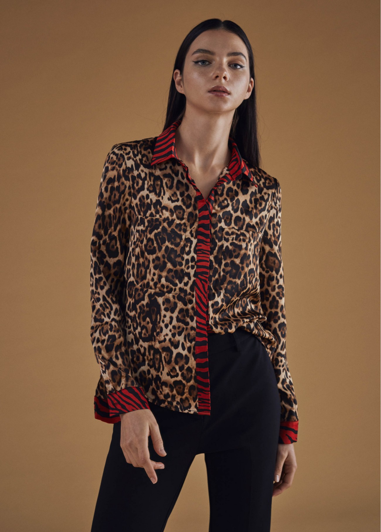 Blusa estampado animal print, camel 2