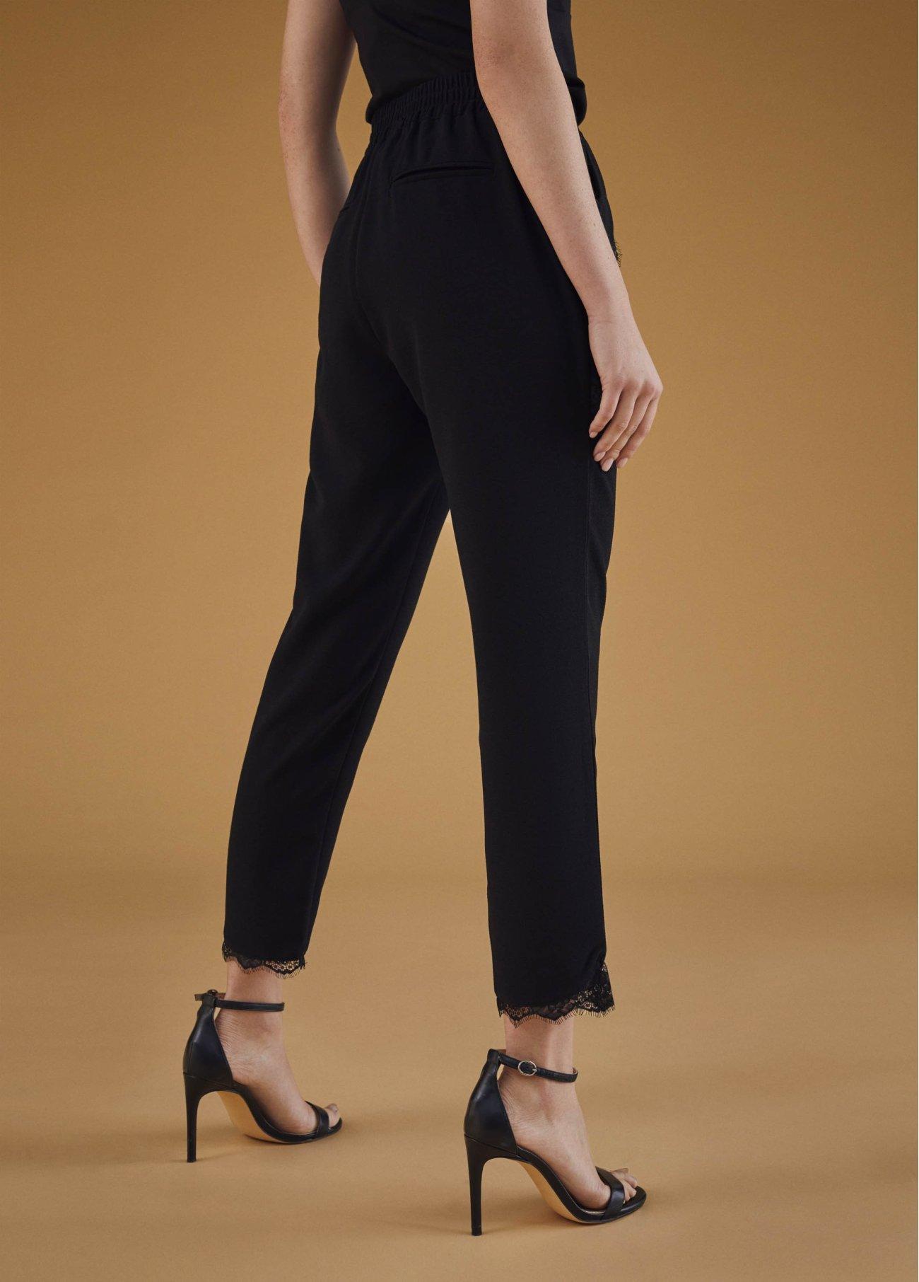 Pantalón jogging con puntilla, negro 2