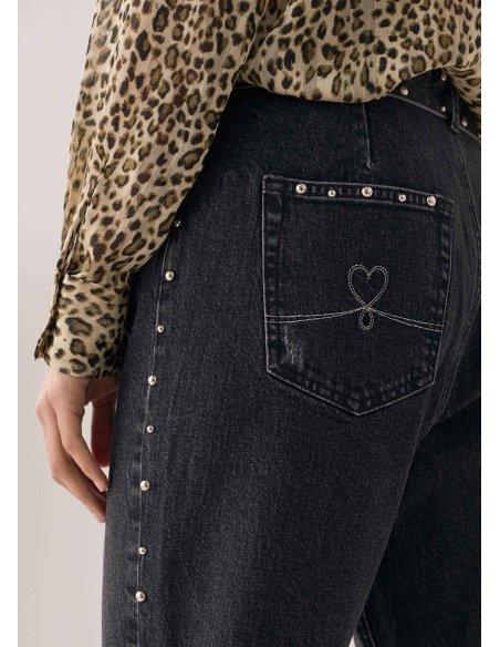 Jeans Paper bag con tachuelas doradas., negro